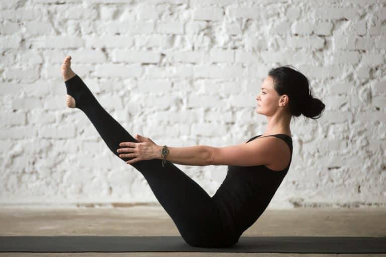 Yoga Boot zur Stärkung der Bauchmuskulatur